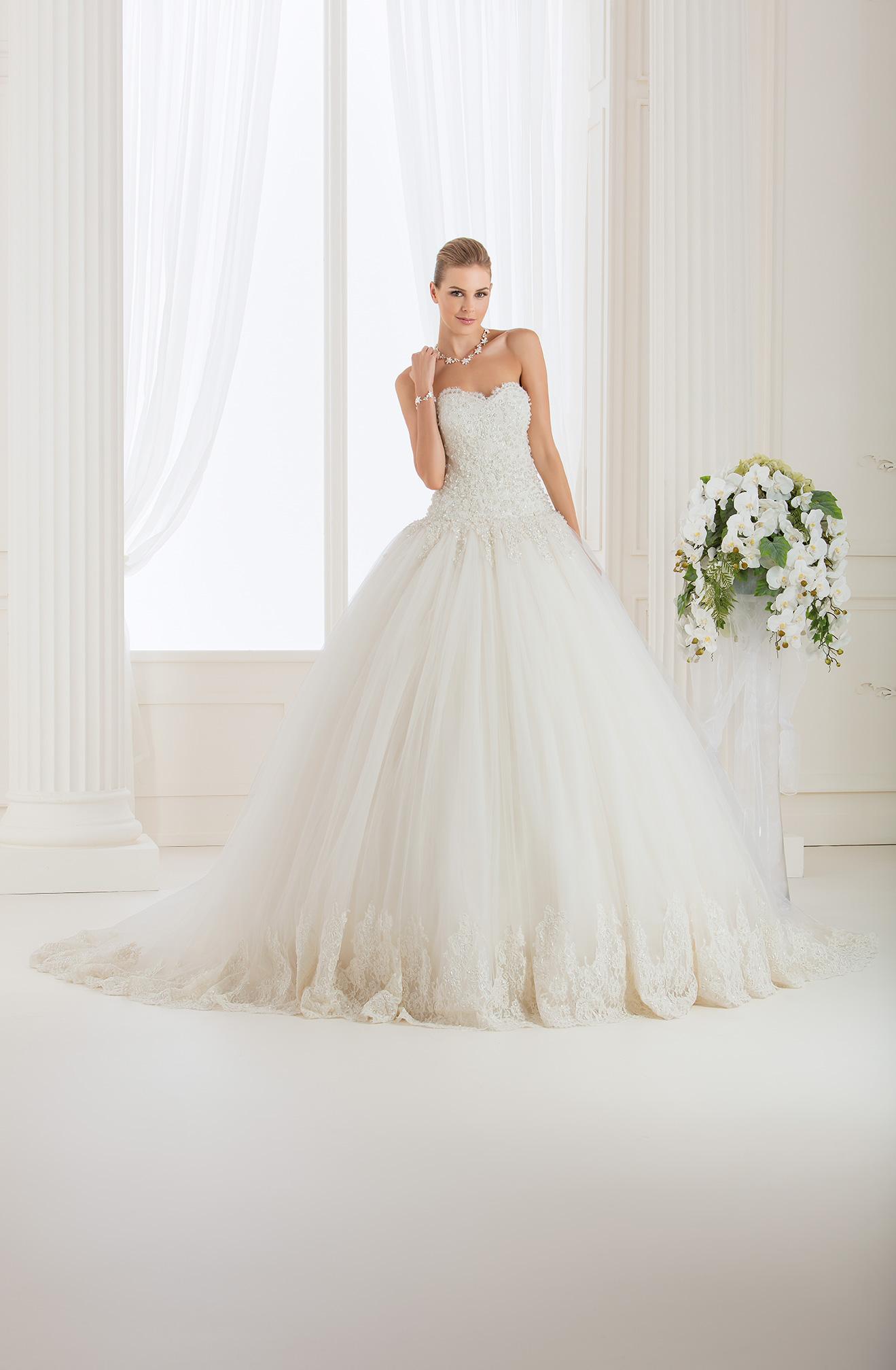 Abiti sposa impero couture 2015 – Modelli alla moda di abiti 2018 be020821f962