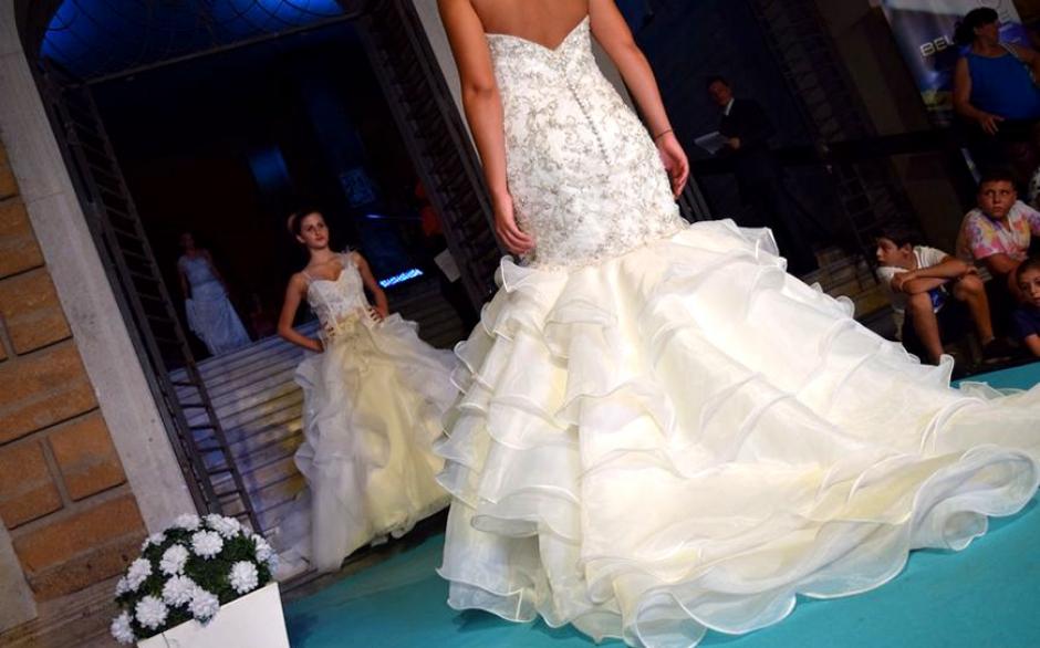 8c7787fbb88d Fashion Day 2015 Caltagirone  Sfilata Abiti da Sposa Lunaraine ...